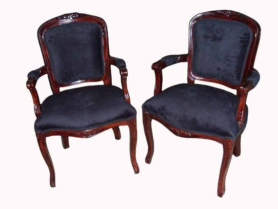 Pair of antique looking mahogany color chairs with black for Antique looking chairs