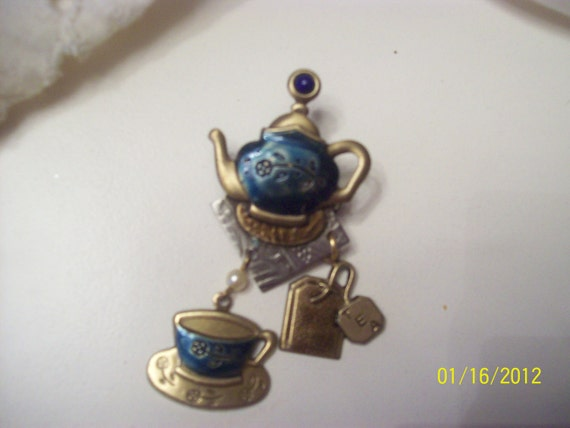 For a tea lover, Adorable teapot pin with the cup and tea bag
