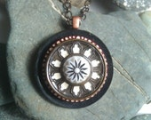 The Alhambra- vintage button necklace