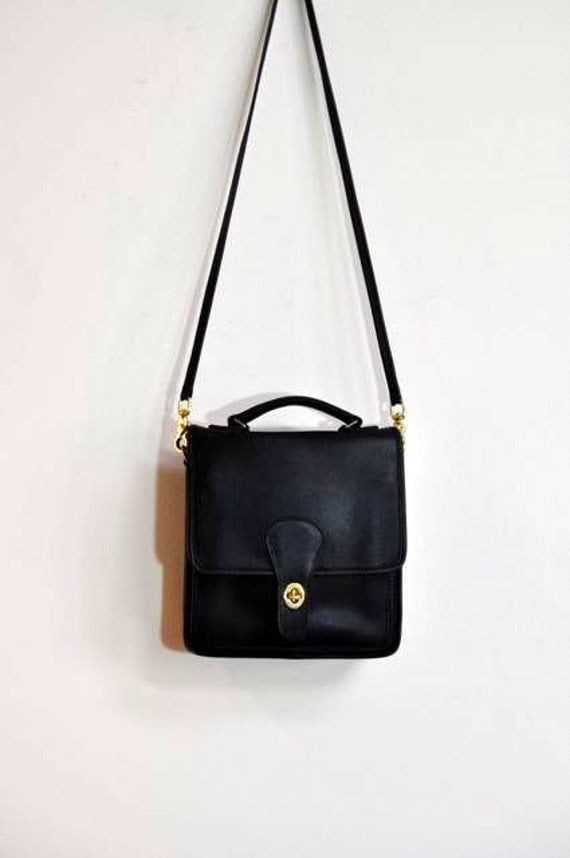 Vintage Coach Classic Black Turnlock Top Handle Station Bag