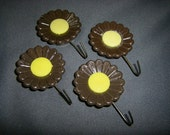 Vintage Brown Daisy Strong Magnet Utility Hook Set of 4
