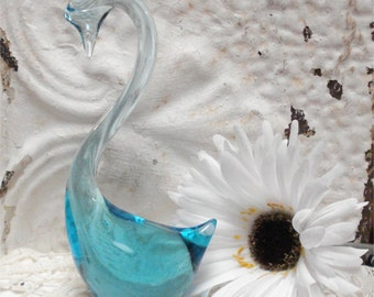 Glass Swan Light Blue 7 inch
