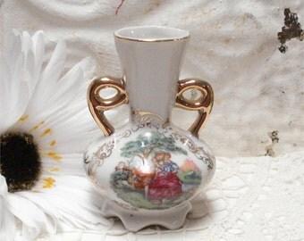 """4"""" Enesco Vase Romantic Couple"""