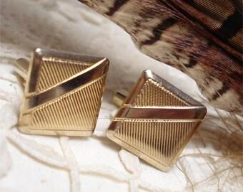 5/8 Square Gold Tone Cuff Links