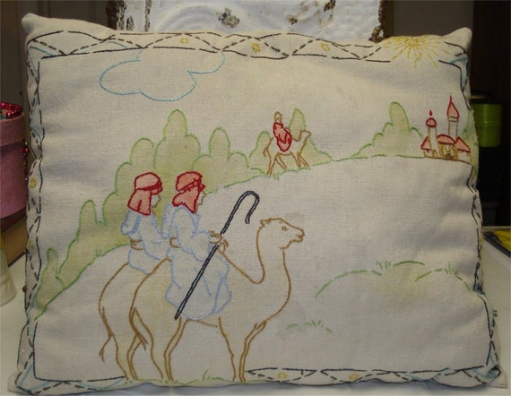 Vintage 14x17 Christmas Kingsmen Camel Pillow Embroidered