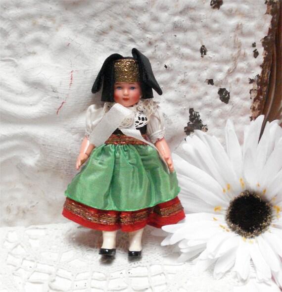 """5 1/4"""" Vintage International doll Hard Plastic"""