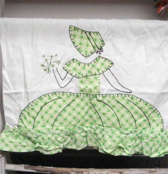 33x20 Pair LIME SOUTHERN BELLE Pillowcases Embroidery Vintage