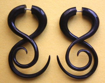 PRAMANA Earrings - Organic Fake Gauges - Natural Black Horn