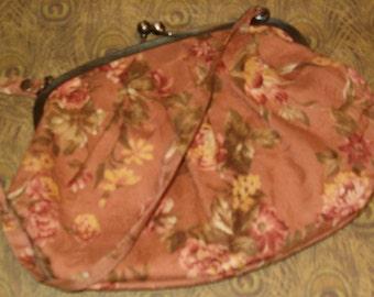 "Vintage Dusty Pink Purse w Pretty Flowers 8.5""W, Metal Snap Closure, 17""L Cloth Handle"