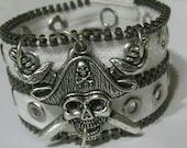 Pirate Skull Zipper Cuff