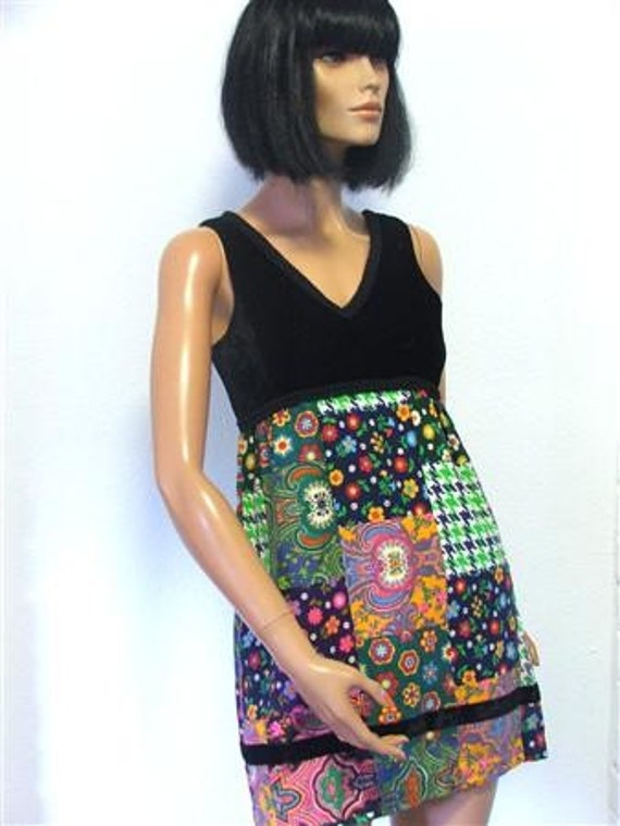 Orig 1960s Young Edwardian mini dress // velvet bodice // bold psychedelic printed cotton skirt // Empire fit