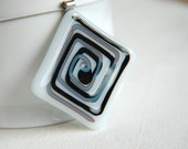 Confused in the maze - fused glass necklace