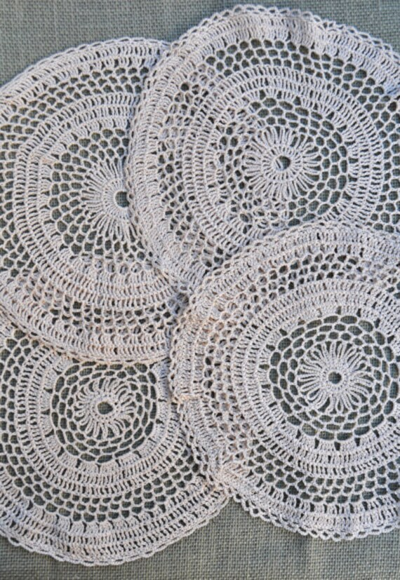 Set of 4 Crochet Doilies in Natural