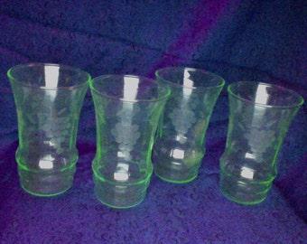 Vintage set/6 Green Vaseline Etched Drinking Glasses, UV glow