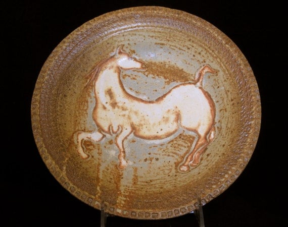 Carved horse bowl outstanding colors and design