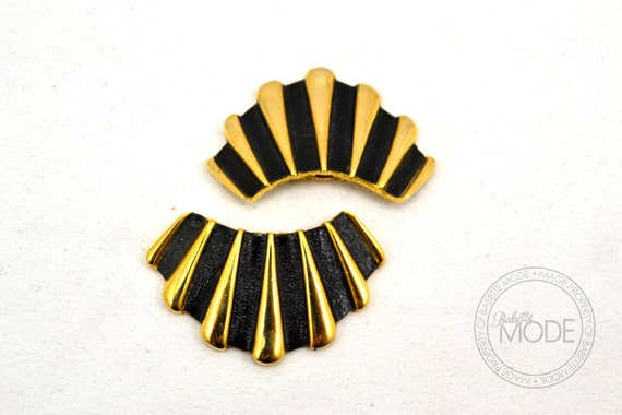 Scalloped Gold and Black Vintage Shoe Clips