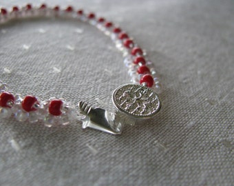 Red White Bracelet, Beadwoven Bracelet, Stacking, Sparkling, Christmas, Valentine, Daisy Chain