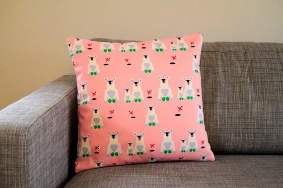 Marimekko Throw Pillow Covers : Marimekko Jaakarhu pillow cover in pink 45x45cm 18x18