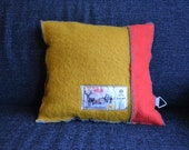 AaBee - Pillow from recycled blanket
