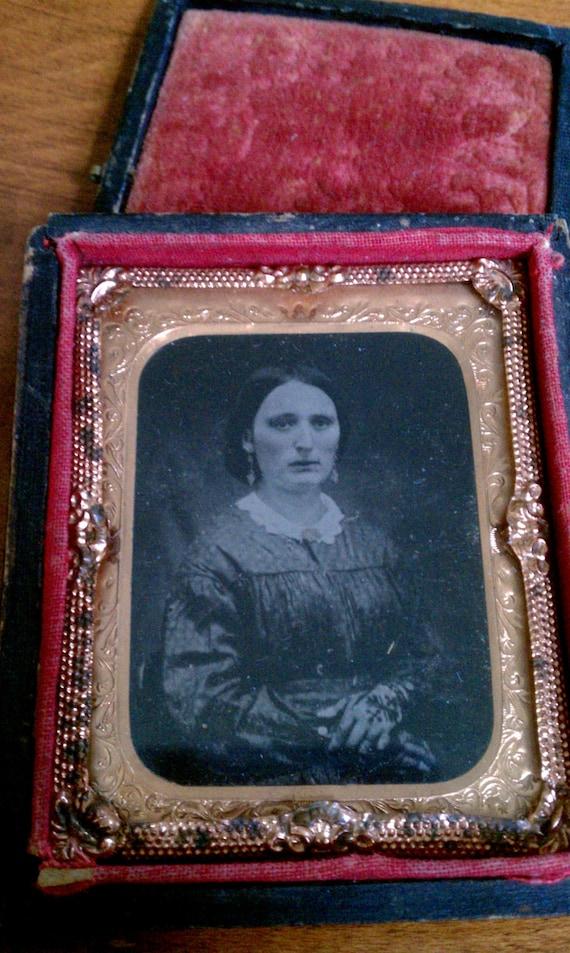 Antique Daguerreotype Mourning Photo of Woman / Antique Photograph / Pre-Civil War Photo / Victorian Photograph
