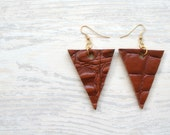 Leather earrings in brown and gold - geometric triangle - tribal inspired - only one set handmade from upcycled materials