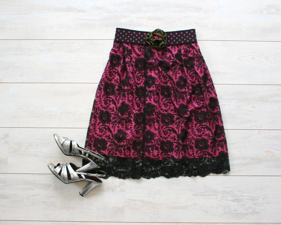 Black lace skirt with hot pink lining and polka dots waist, knee length skirt, retro inspired, classy, size small/medium S/M US 6/8