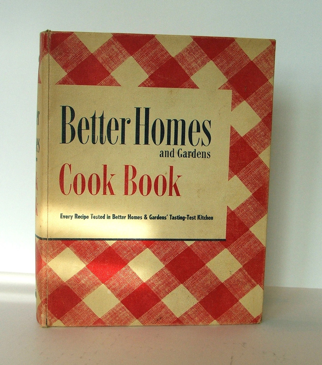 Reduced Vintage Better Homes And Gardens 1946 Deluxe Cookbook