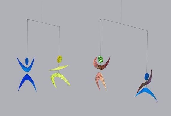 Resultado de imagen de movil bailarines montessori