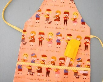 simple reversible APRON children toddler apple pie retro vintage inspired GIFT idea cooking baking polka dots KITCHEN by little ticket