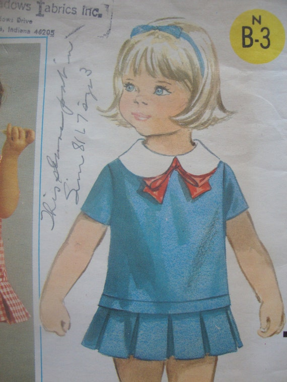 vintage butterick TODDLERS sewing pattern DRESS pleated skirt peter pan collar MOD retro 1960s style size 2