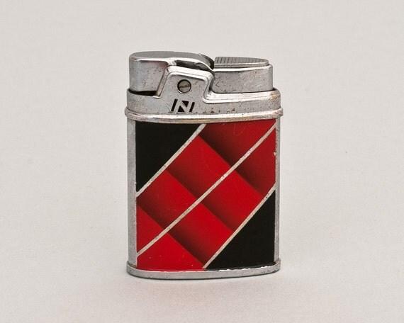 Working 1950s Nash Pocket Lighter With Modernist Enamel Design