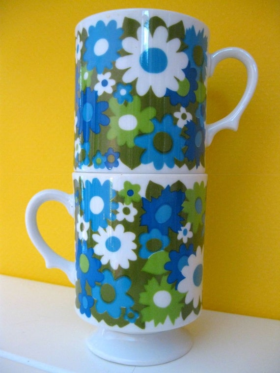 Retro Daisy Stackable Mugs- Aqua, Green and White- set of 2
