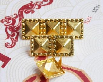 50Pcs 10.5mm Gold Dotted Border Pyramid Studs Metal Studs (JDP10)