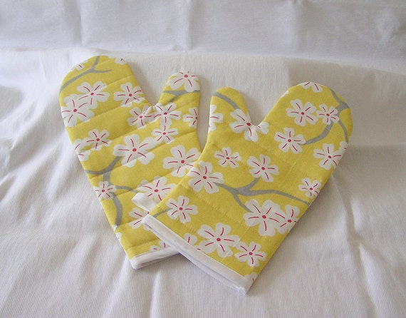 Oven Mitts Quilted Handmade One Pair Yellow and White Cherry Blossom Print Cotton Fabric