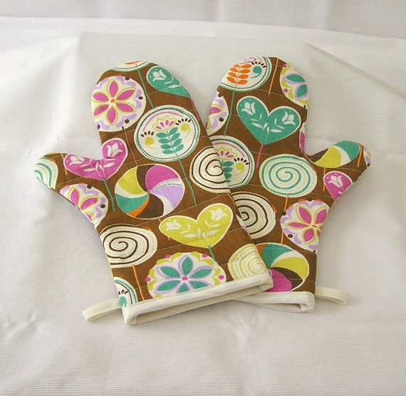 Oven Mitts Quilted Handmade One Pair Brightly Colored Candyland Design Fabric