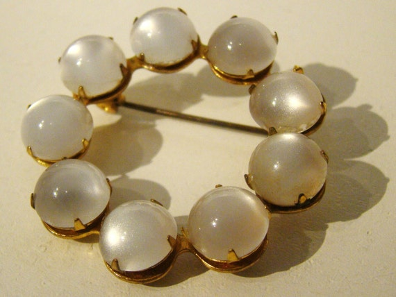 Pearl and Gold VINTAGE Brooch