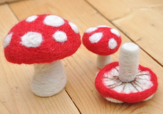 image toadstool felting kit maker magpie red white fly agaric amanita muscaria felt toy