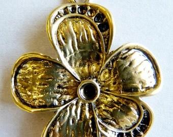 Gold Plate Flower Pendant 2pk