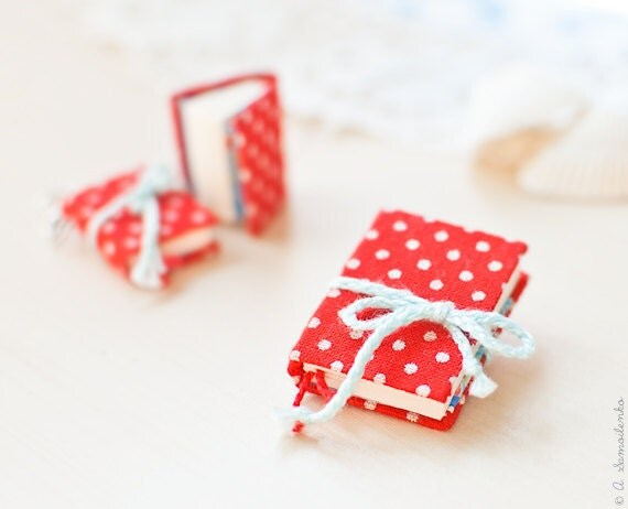 Red polka dot book jewelry set - Earrings and brooch
