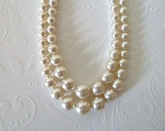 Vintage White Faux Pearl Necklace
