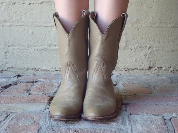 Vintage Tony Lama Tan Mid-Calf Cowgirl Boots - 9 / 10