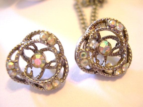 Vintage Rhinestone Buttons with Chain - Aurora Borealis 1950's