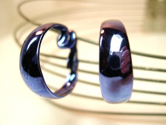Vintage Metallic Blue Enameled Hoop Clip Earrings 1990's (136)