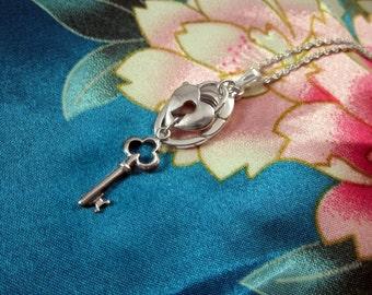 AloraLocks Lock and Key To My Heart Ring & Charm Holding Pendant