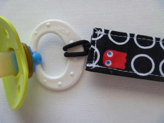 Trendy pac man binky clip for baby boys - Red Clip