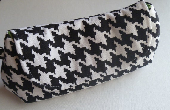 Curvy Houndstooth Clutch Black and White - Large Green Lining