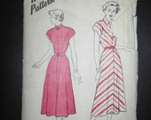 Vintage Hollywood Pattern Dress B623