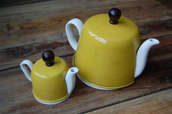 Vintage Tea Pot & Cream with Tin and Woolen Warming Cover in Warm Yellow from Japan
