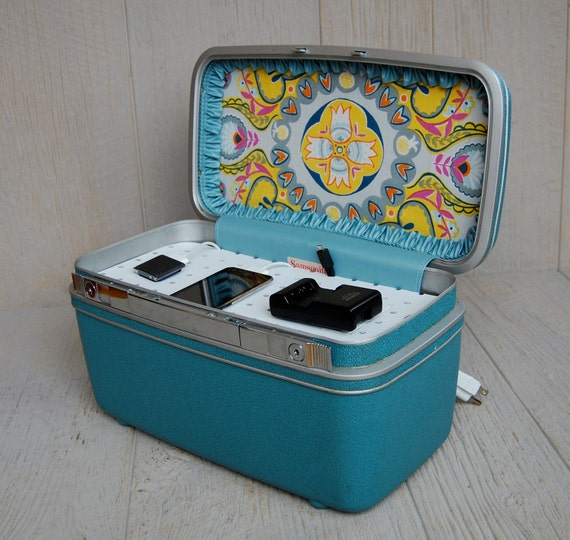 Vintage Samsonite Train Case Custom Charging Station for phones & iPods in Aqua Blue