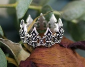 Renaissance crown silver ring
